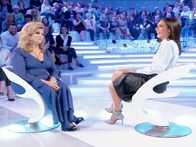 "Iva Zanicchi, gaffe di Silvia Toffanin/ Video: ""Farfallina? Ormai è un'aquilona!"""