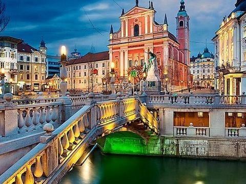 Vaccini obbligatori in Slovenia: gli statali preparano i ricorsi