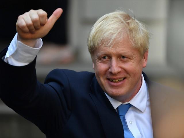 Brexit, è scontro istituzionale: il precedente di Carlo I che finì decapitato