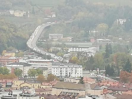 Traffico congestionato: da Cadine a Trento più di un'ora in colonna