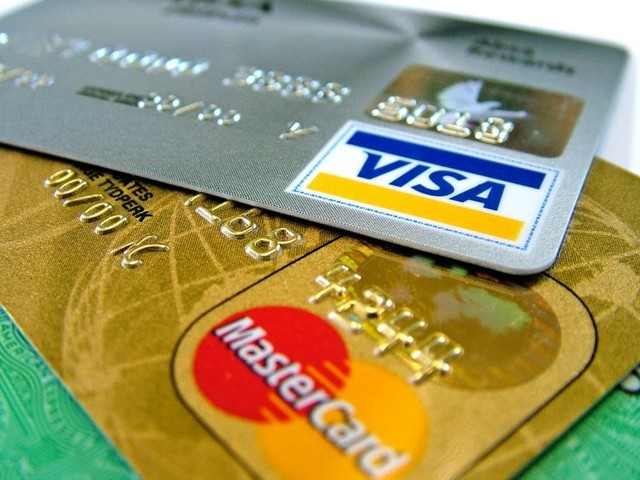 Carte di debito e credito: ecco perché conviene scegliere le banche online