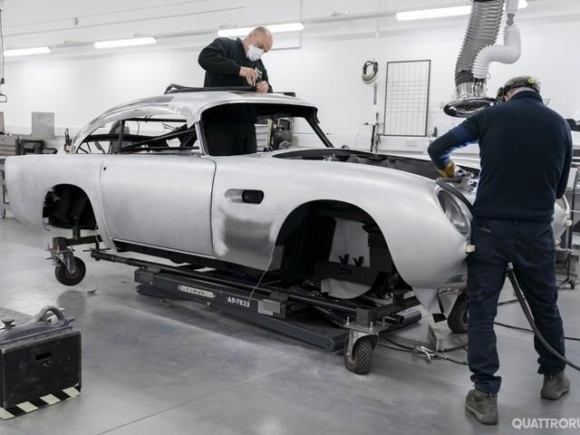 """Aston Martin - La DB5 di """"Goldfinger"""" rinasce in una serie limitata"""