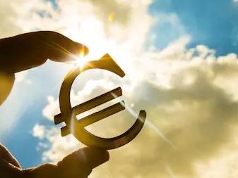 """All'Europa non piace la manovra: """"Riduzione del debito a rischio"""""""