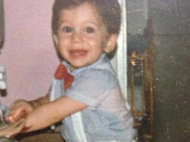 Dava l'idea di essere un grande intrattenitore fin da bambino: avete capito chi è il protagonista della foto?