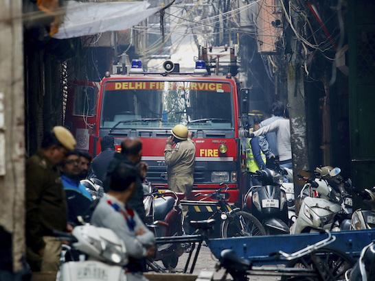 La strage in una fabbrica a Delhi