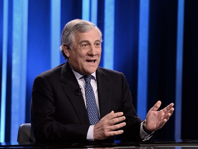 """Tajani: """"Asse Pd-M5s è un pateracchio per conservare le poltrone"""""""