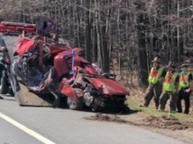 17-Year-Old From Nashua, NH Killed In Crash On Everett Turnpike