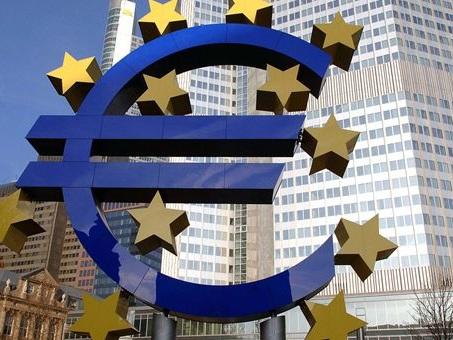 Eurozona, l'indice PMI indica un rallentamento della crescita