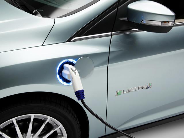 L'auto elettrica: a chi piace e a chi spaventa