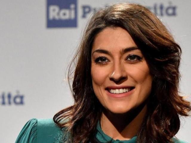 Elisa Isoardi annuncia la partecipazione a un reality nel 2020