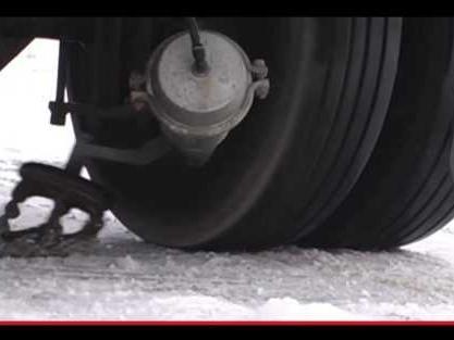 Le catene da neve che si attivano con la pressione di un interruttore