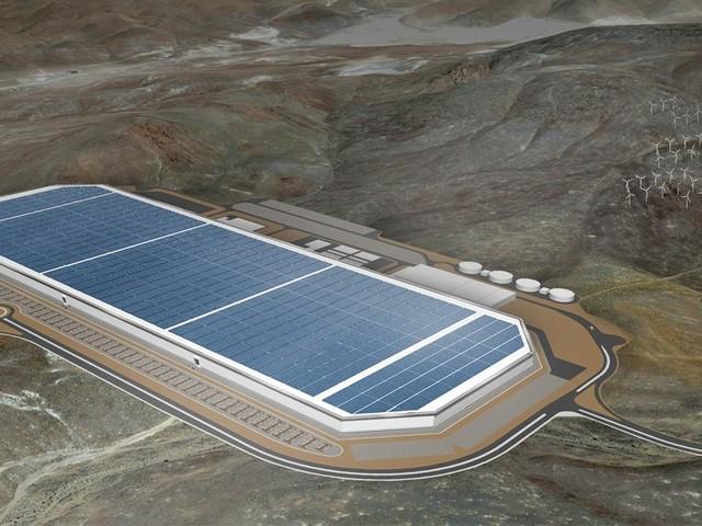 Tesla punta a produrre in proprio batterie più economiche ed efficienti