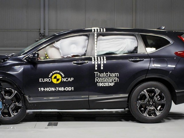 Crash test Euro NCAP - Cinque stelle a Classe G, Tarraco e CR-V - VIDEO