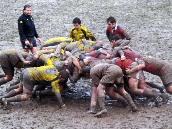 Rugby Trento, furgoni danneggiati dopo tentativo di furto