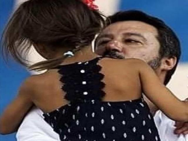 """Salvini e la bimba di Bibbiano, il web attacca: """"sciacallo"""". Il leader della Lega replica così"""