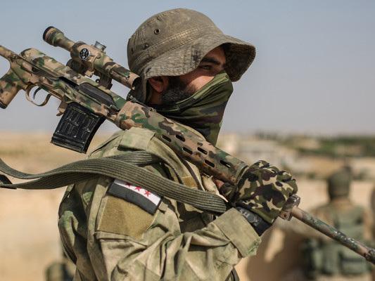 Svolta nella guerra in Siria: i curdi chiedono l'aiuto di Assad
