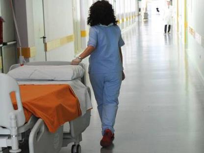 Sanità, contratto infermieri e tecnici: 85 euro di aumento in busta paga