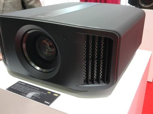 Proiettori 4K JVC: HDR migliorato con il lettore UHD Blu-ray Panasonic UB9000