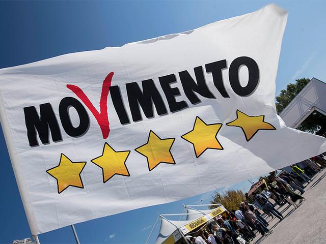 """M5S contro Salvini: """"Parla da ministro. Si dimetta se coerente"""""""