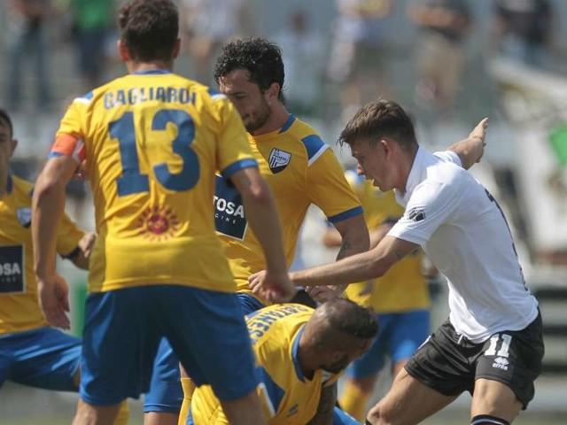 Diretta/ Pianese Pro Vercelli (risultato 0-0) streaming video tv: in campo, via!