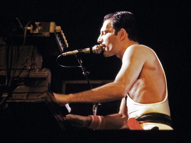 La camicia di Freddie Mercury venduta per 54mila dollari