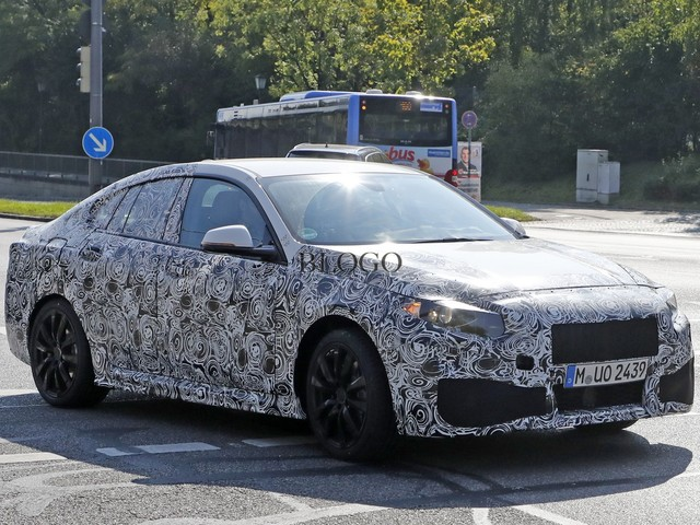 BMW Serie 2 Gran Coupè: prime foto spia