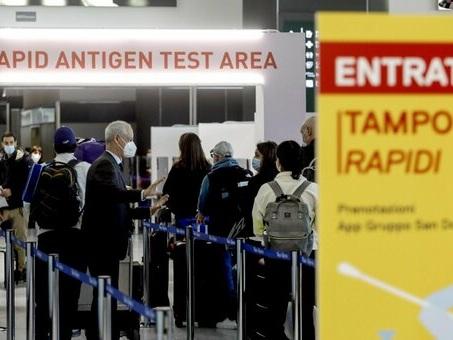 Speranza: «Dal 16 maggio niente quarantena per turisti da Ue, Gran Bretagna e Israele»