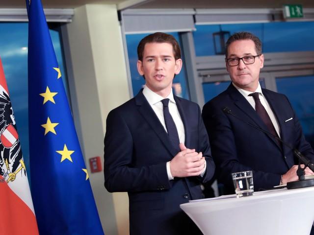 Austria, la crisi si aggrava: si dimettono tutti i ministri dell'Fpö