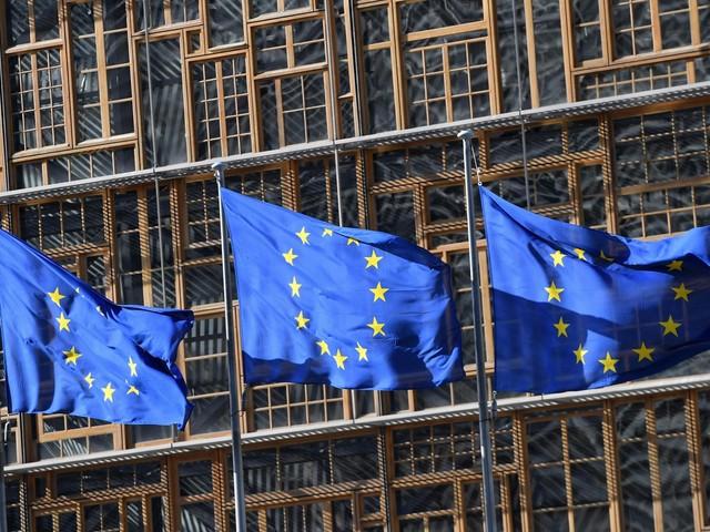 """Brexit, cosa devono fare gli italiani per diventare """"residenti permanenti"""" e rimanere nel Regno Unito"""