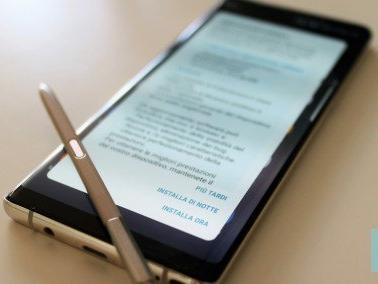Galaxy Note 8: update migliora prestazioni e stabilità di cam e ricarica wireless