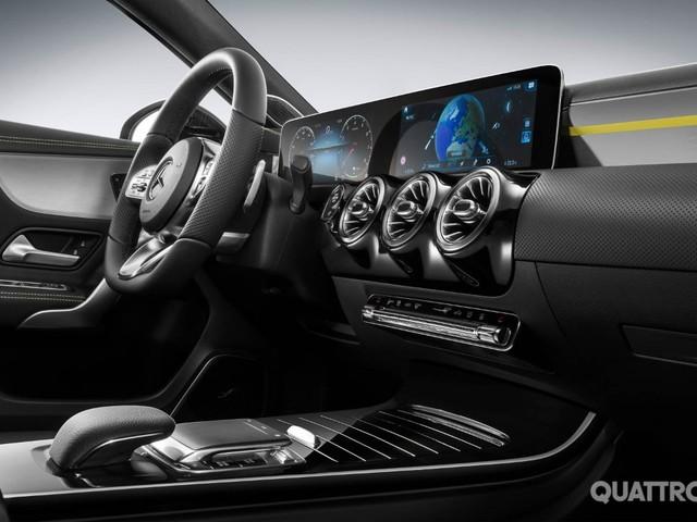 Mercedes-Benz Classe A - Le prime immagini degli interni