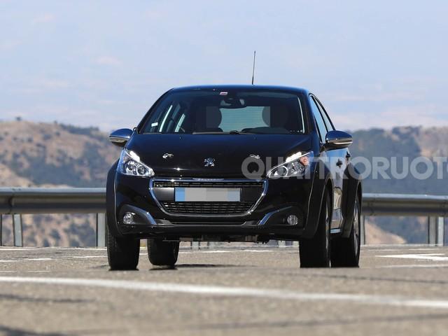 Peugeot 1008 - Primi test per la baby Suv