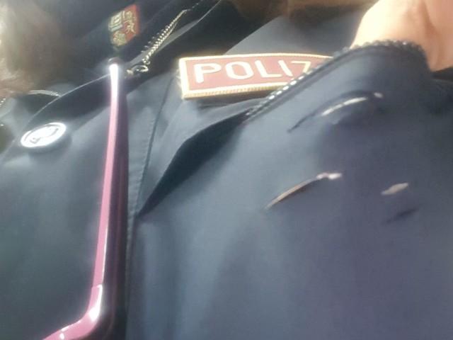 Taranto: Margherita Ciraci poliziotta accoltellata al cuore e salvata dal telefonino. Il sindaco: città orgogliosa di questa agente La donna: tecnica e addestramento ma anche tanta fortuna