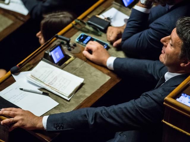 Renzi annuncia l'addio al Pd con una telefonata a Conte