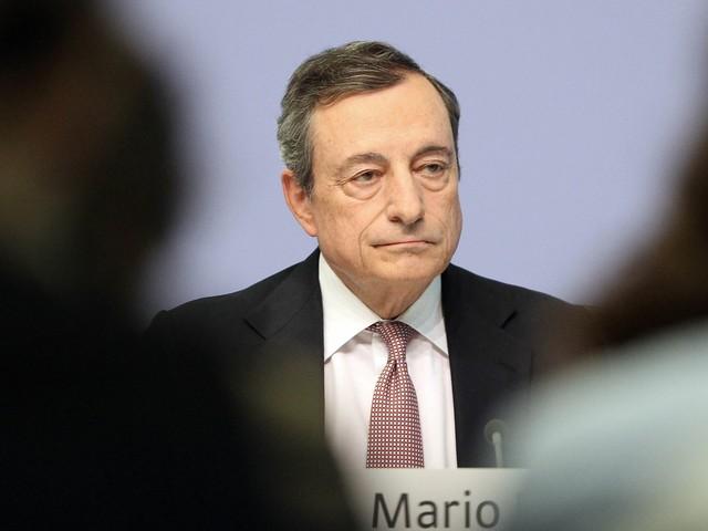 Draghi arma il bazooka contro la crisi