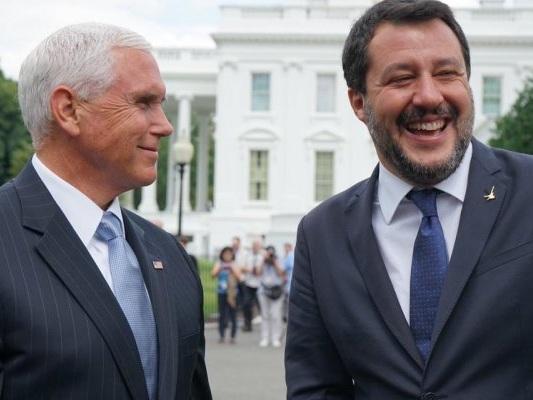 Matteo Salvini e Rocky: la gaffe sulla scalinata a Washington è virale