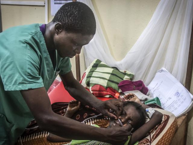 Amref ai grandi della terra: oltre ai vaccini ci vuole un progetto per la sanità in Africa
