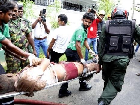 """Sri Lanka devastato da una serie di attacchi, Pasqua di sangue con almeno 200 morti: """"Terrorismo religioso"""""""