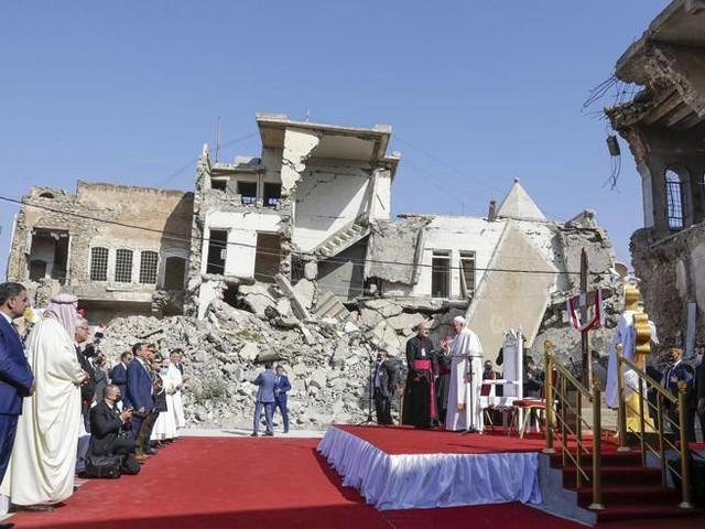 Il Papa in Iraq, tra i cristiani che sognano la fuga: «Grazie Francesco per il coraggio»