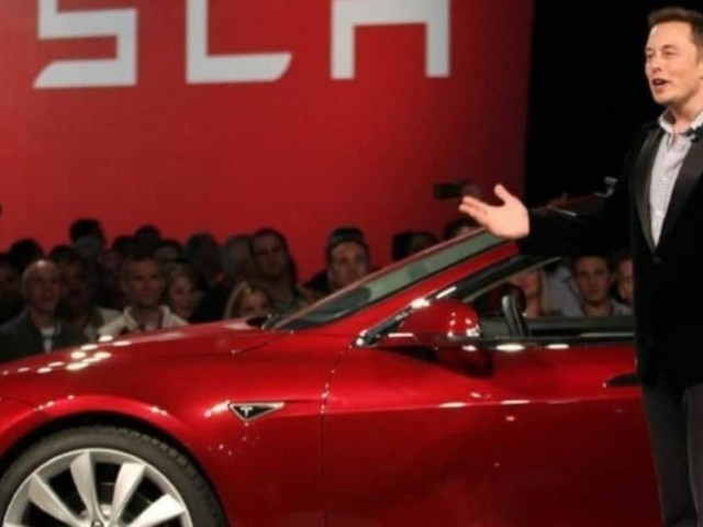 Tesla - Quarta trimestrale in utile, Musk batte il lockdown
