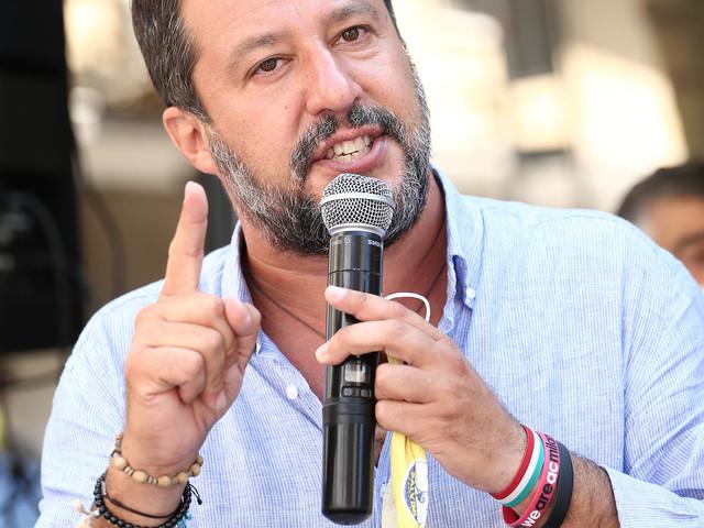 """Salvini zittisce Speranza: """"Non rispondere a me ma ai parenti dei morti"""""""