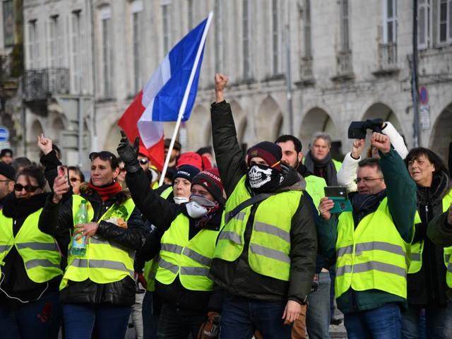 Gilet gialli di nuovo in piazza per il primo anniversario delle manifestazioni