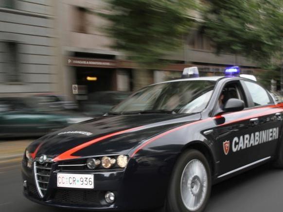 Pavia, fuggono su auto rubata. 5 persone travolte: arrestato albanese