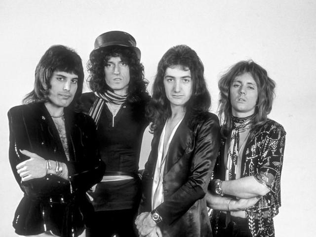 David Bowie incontra i Queen in studio di registrazione e...