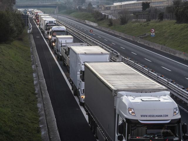 Un camionista stacanovista ha accumulato 88 multe e 27 mila euro