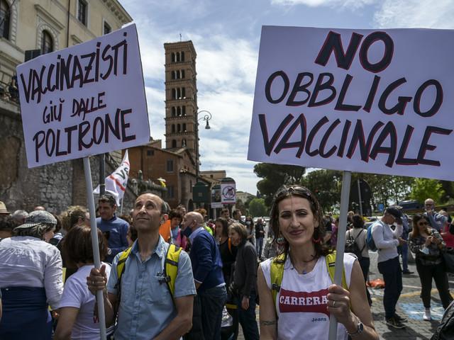 Green Pass, domani protesta No-vax in 80 città italiane