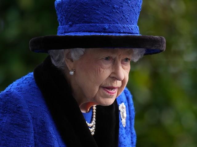Il ricovero «precauzionale» e il riposo assoluto. Ma come sta la regina?