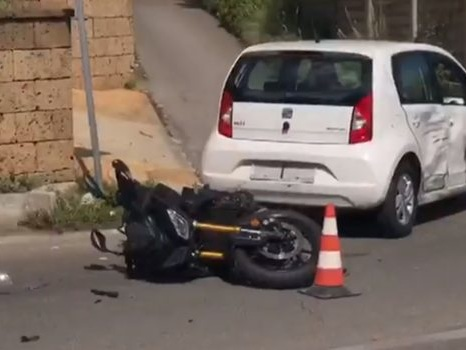 Scontro tra auto e moto sulla circonvallazione di Monreale, un ferito nell'incidente
