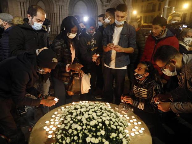 Terrorismo islamista: Francia sotto choc, tre vittime a Nizza Il killer passato da Lampedusa
