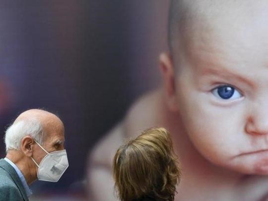 Coronavirus, l'Italia ha la curva peggiore d'Europa: serve una regia condivisa